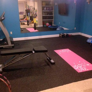 interlocking-rubber-flooring-tiles-exercise-room